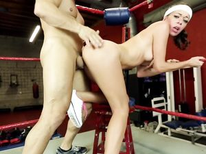 Slut And Her Sparring Partner Fuck In The Boxing Ring