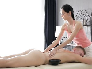 Stunning Masseuse Rides Her Client With A Perfect Pussy