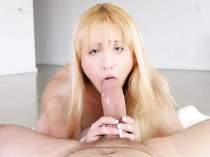 Goldie Gives A Blowjob And Opens Her Mouth Wide