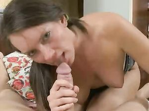 Big Butt Teen Spreads Her Cheeks For Anal Sex